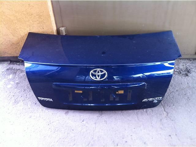Б/у крышка багажника  Toyota Avensis 2003 - 2009p- объявление о продаже  в Ровно