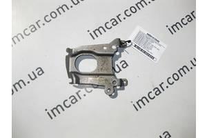 Б/У Mercedes Кронштейн интеркулера нижний для двигателя  OM654 R4 2.0 Diesel A6541410040