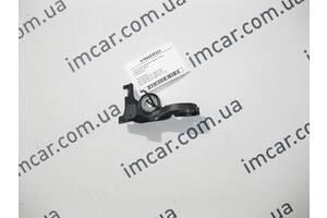 Б/У Mercedes Пластиковый держатель заднего левого тормозного  шланга ML W164 GL X164 A1644230323