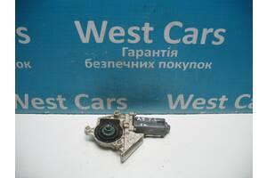 Б/У Моторчик склопідіймача задньої лівої двері Touran 2009 - 2013 5K0959703A. Вперед за покупками!