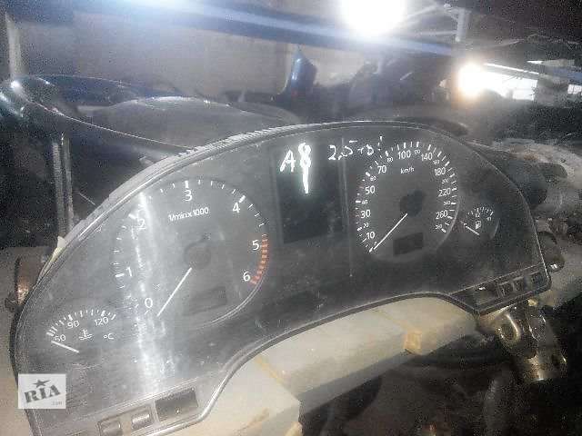 бу Б/у панель приборов/спидометр/тахограф/топограф для легкового авто Audi A8 2000 в Львове