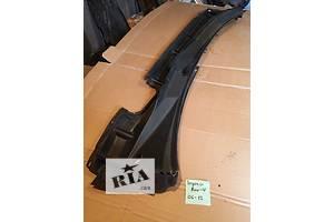 б/у Пластик под лобовое стекло Toyota Rav 4