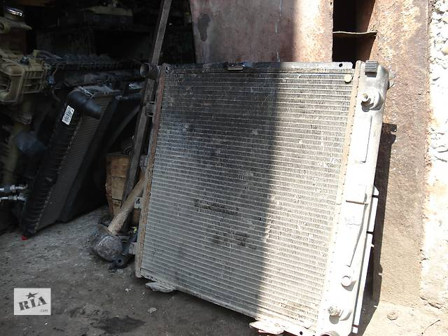 продам Б/у радіатор для седана Mercedes C-Class бу в Львове