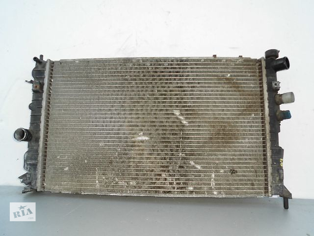 Б/у радиатор для легкового авто Opel Vectra B 1.6 (60-38).- объявление о продаже  в Буче (Киевской обл.)