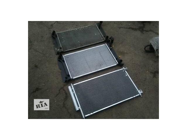 продам Б/у радиатор для легкового авто Toyota Avensis бу в Ровно
