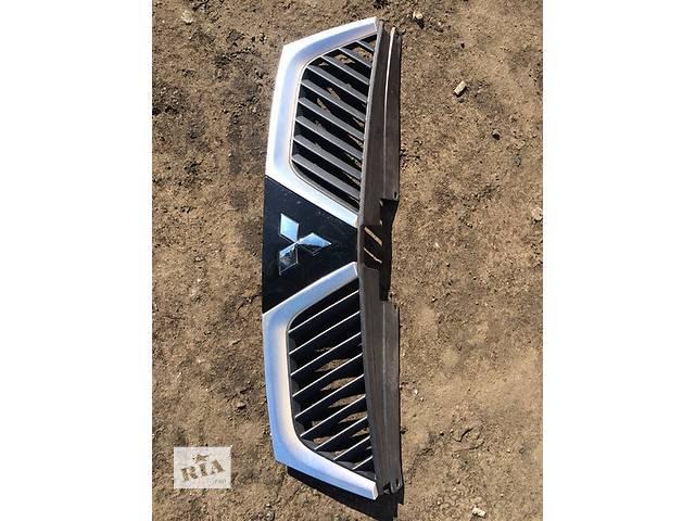 Б/у решётка радиатора для легкового авто Mitsubishi Outlander XL- объявление о продаже  в Киеве