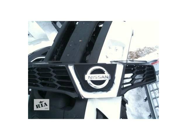 продам Б/у решётка радиатора для легкового авто Nissan Qashqai бу в Ровно