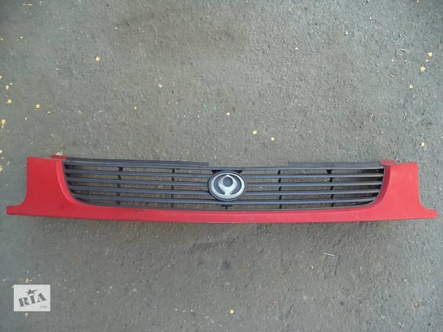 продам Б/у решётка радиатора для легкового авто Mazda 323 (BA)(94-98) бу в Луцке