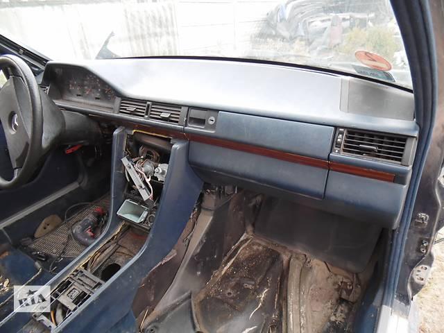 купить бу Б/у руль для легкового авто Mercedes 124 в Дубно (Ровенской обл.)
