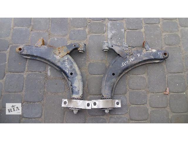 купить бу Б/у рычаг передний лівий для легкового авто Subaru Forester 2007 в Коломые