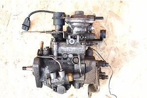 б/у Топливные насосы высокого давления/трубки/шестерни Fiat Siena