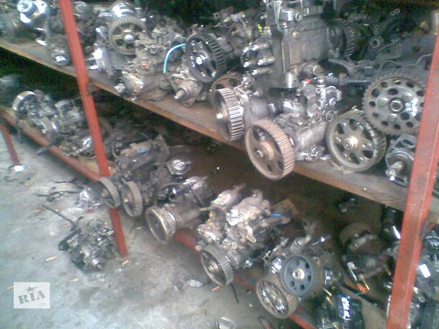 продам Б/у топливный насос высокого давления/трубки/шест для легкового авто Mercedes 123 бу в Луцке