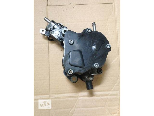 бу Б/в паливний насос високого тиску/трубки/жердину для легкового авто Volkswagen Caddy в Луцке