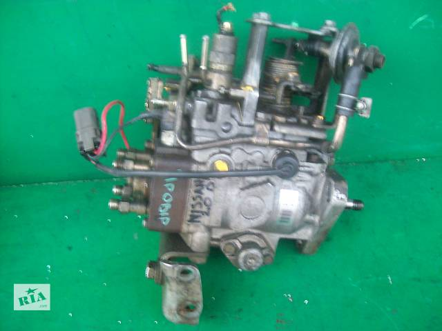 продам Б/у топливний насос високого тиску/трубки/шестерн для легкового авто Nissan Sunny 2.0 D бу в Луцке