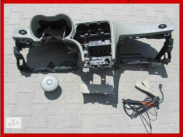 продам Б/у торпедо/накладка для легкового авто Alfa Romeo 159 бу в Ровно