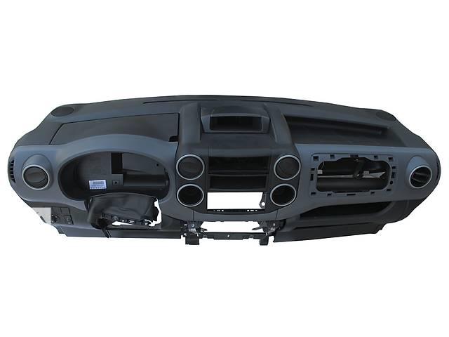 Б/у торпедо/накладка для легкового авто Peugeot Partner- объявление о продаже  в Ковеле