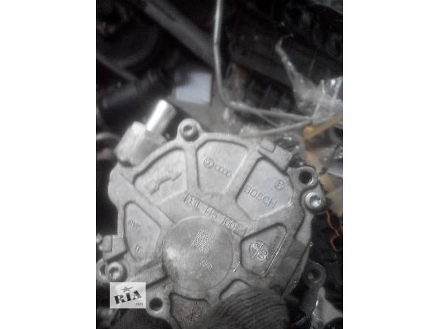 Б/у вакуумный насос для легкового авто Audi A4 2010- объявление о продаже  в Львове