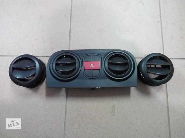 продам Б/у Воздуховоды обдува стекла Дифузоры Fiat Fiorino Qubo Nemo Bipper бу в Хмельницком