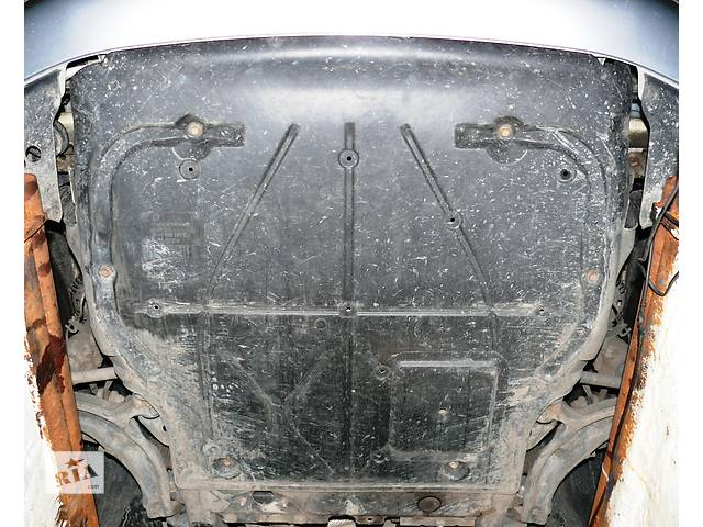 бу Б/у защита под двигатель Volkswagen T5 в Ровно