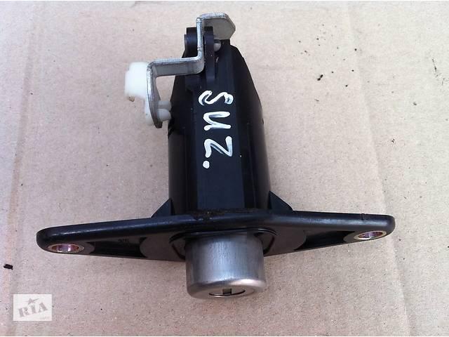 Б/у личинка замка багажника для Suzuki Ignis II- объявление о продаже  в Виннице