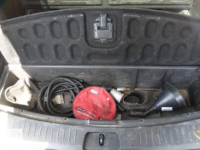 бу б/у багажник и компоненты Пласник с тумбами багажника Легковой Chevrolet Captiva 2007 в Киеве