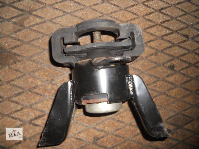 бу б/у Детали двигателя Подушка мотора Легковой Mazda 323F 1997 в Львове