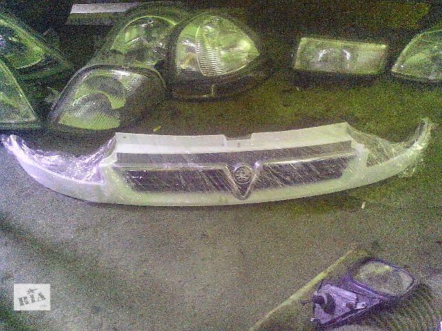 купить бу Б/у решётка радиатора для легкового авто Opel Vivaro(англ) в Ковеле
