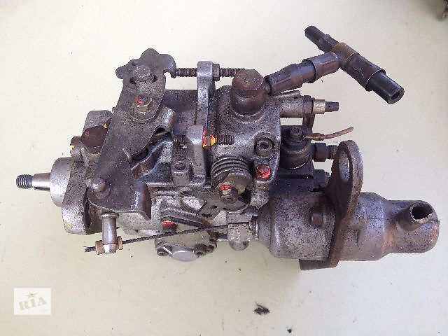 бу Б/у топливный насос высокого давления/трубки/шест для легкового авто Renault 20 2.1D в Луцке