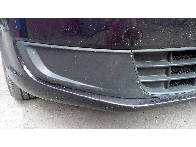 купить бу Б/у заглушка туманной фары для легкового авто Volkswagen Caddy 2010 в Кременце (Тернопольской обл.)