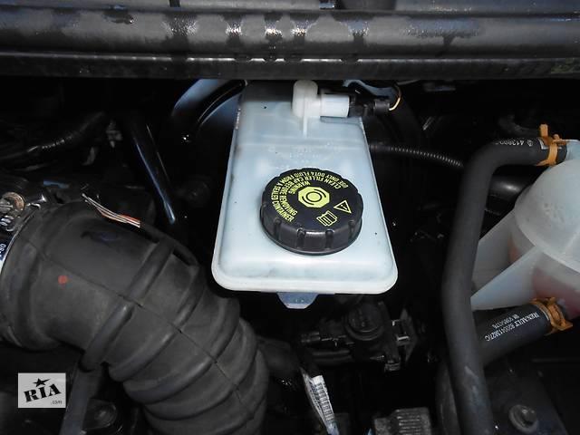 бу Бачок главного тормозного, головного гальмівного Renault Trafic Рено Трафик Opel Vivaro Опель Виваро Nissan Primastar в Ровно