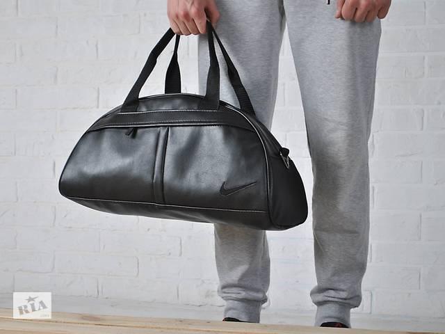 продам Спортивная вместительная сумка Nike из эко-кожи, черная вышивка найк бу в Ровно