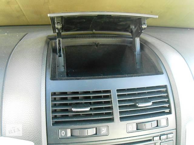 продам Бардачок в переднюю панель Volkswagen Touareg Vw Туарек 2003-2009 бу в Ровно