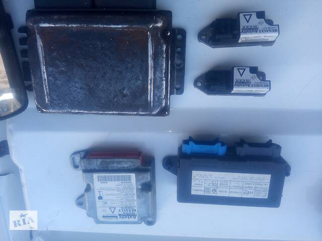 продам Блоки управления и датчики Рено Лагуна1 бу в Черкассах