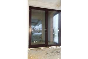 Нові Дерев'яні двері