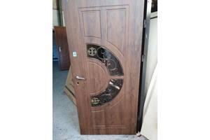 Нові Вхідні двері