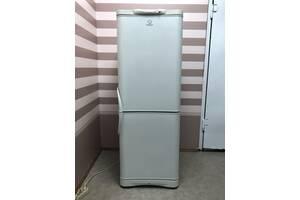 Холодильник двокамерний Indesit - C132G, 240л, 60x66.5x167 см