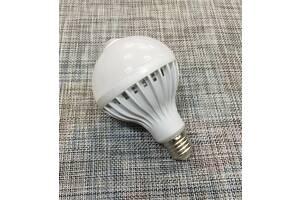 Лампа світлодіодна з датчиком 12W / 535