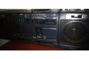 Магнитола Sony стерео в рабочем состоянии
