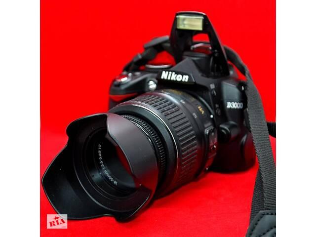 купить бу Nikon D3000 Фотоапарат в Чернівцях