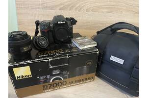 Nikon D7000 з об'єктивом AF-S Nikkor 35 mm