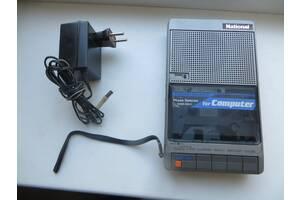 Продам портативний касетний магнітофон National Panasonic.