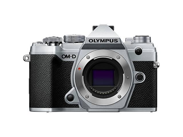 купить бу Цифровой фотоаппарат OLYMPUS E-M5 mark III Body silver (V207090SE000) в Киеве