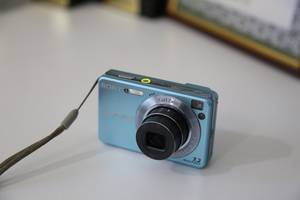 б/у Цифровые фотоаппараты Sony