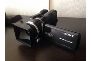 б/в Професійні відеокамери Sony HDR-CX550E