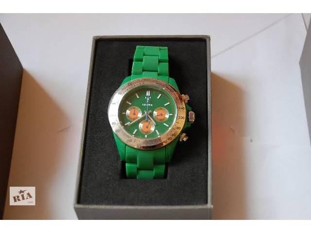 продам Часы TRIWA новые , цвет зеленый бу в Харькове
