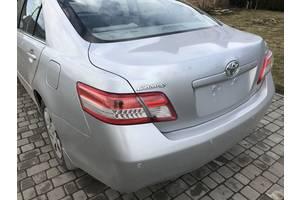Четверти автомобиля Toyota Camry