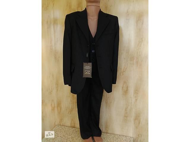 продам Шкільний якісний костюм на хлопчика 9-13 л. бу в Мариуполе