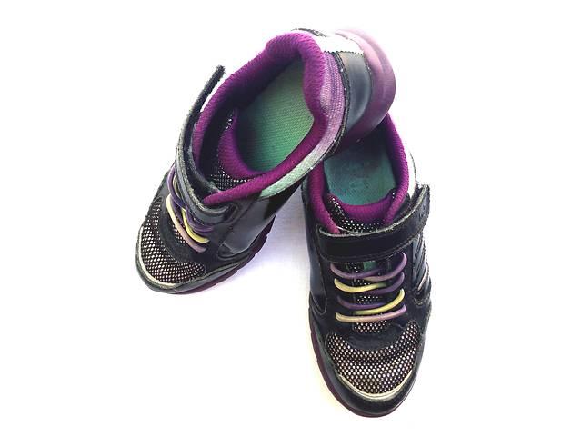 продам Туфлі-кросівки Clarks дівчинці розмір UK 11, USA 11,5, EU 28 (18 см) бу в Миколаєві