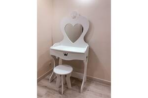 Трюмо для девочки, туалетный столик для девочки