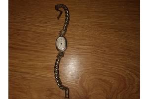б/у Наручные часы женские Le Chic